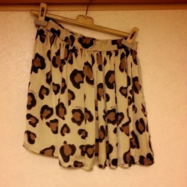 Nina mew(ニーナミュウ)のニーナミュウ レオパードプリントギャザー レディースのスカート(ミニスカート)の商品写真