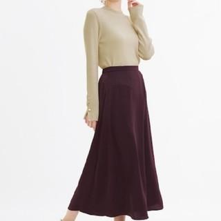 ジーユー(GU)のサテンスカート(ロングスカート)