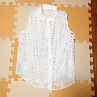 ジーユー(GU)のノースリーブ ❤︎ レースシャツ 美品(シャツ/ブラウス(半袖/袖なし))