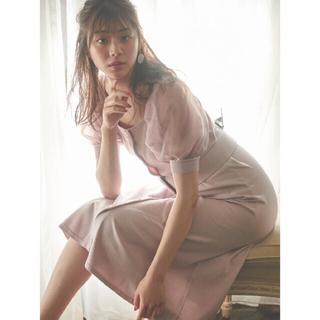 トランテアンソンドゥモード(31 Sons de mode)の堀田茜の私服 ふんわりシアーなスリーブが特徴のワンピース(ひざ丈ワンピース)