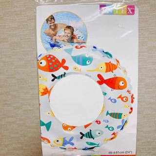 トイザラス(トイザらス)の【新品】トイザらス ワクワクカラフル浮き輪 うきわ 61㎝ お魚(マリン/スイミング)