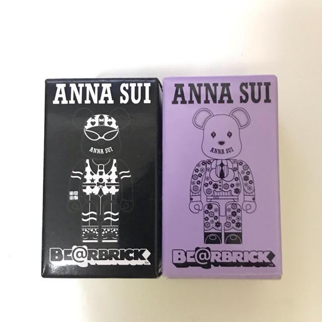 ANNA SUI(アナスイ)のANNA SUI ベアブリック BE@RBRICK 新品2個セット エンタメ/ホビーのフィギュア(その他)の商品写真