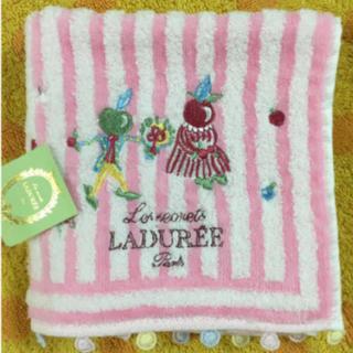 ラデュレ(LADUREE)のLADUREEラデュレタオルハンカチピンク刺繍(ハンカチ)