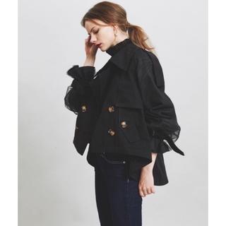 ラベルエチュード(la belle Etude)のボリューム袖デザインショートトレンチコート (トレンチコート)