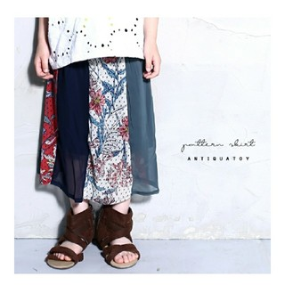 アンティカ(antiqua)の定価4,070円 antiqua 切替シフォンスカート サイズ2 美品!完売品(スカート)