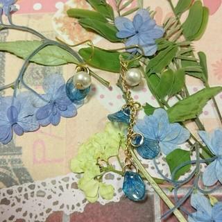 アシメントリー紫陽花の花びらピアス(ピアス)
