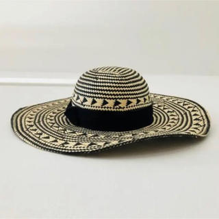 ビーシービージーマックスアズリア(BCBGMAXAZRIA)のBCBGMAXAZRIA 帽子 (55cm small)(帽子)