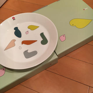 ミナペルホネン(mina perhonen)の値下★ミナペルホネン✖️イッタラ★新品未使用★オンライン完売品★プレート2枚(食器)