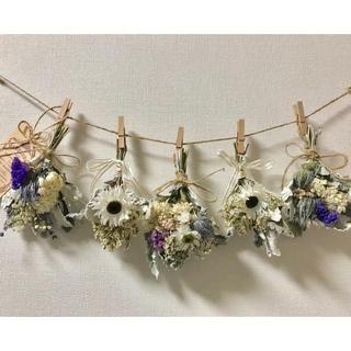 お花たっぷりドライフラワー スワッグ ガーランド❁¨̮㉗白 青 ラベンダー 花束(ドライフラワー)
