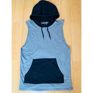ルーカ(RVCA)のRVCA Sサイズ フード付き袖無しシャツ(シャツ)