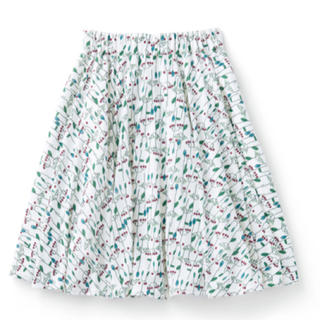 ハコ(haco!)のhaco! ユニカラート 福井香奈 赤い実の小枝 カットソースカート ホワイト(ひざ丈スカート)