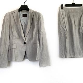 TOMORROWLAND - トゥモローランド スカートスーツ - グレー