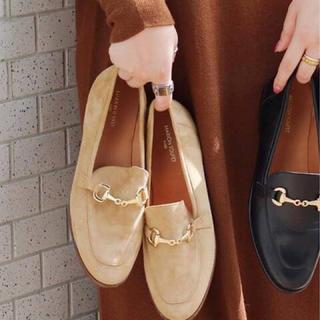 イエナ(IENA)のMARION TOUFET ビット付きローファー ベージュ38(ローファー/革靴)