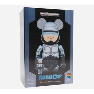 メディコムトイ(MEDICOM TOY)の[新品未使用]ベアブリック  robocop ロボコップ 100% 400% (その他)