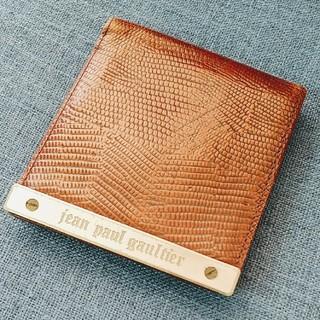 ジャンポールゴルチエ(Jean-Paul GAULTIER)の廃盤◎ジャンポールゴルチェ◎メタルプレート  二つ折り 革財布◎Gaultier(折り財布)