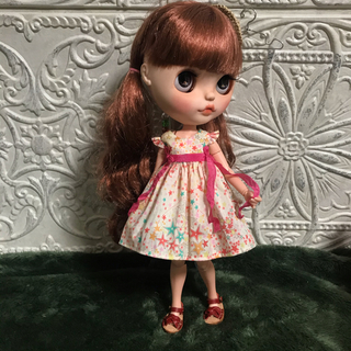 小さな袖のワンピース 50(人形)