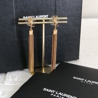 イヴサンローランボーテ(Yves Saint Laurent Beaute)のイブサンローラン ピアス YSL(ピアス)