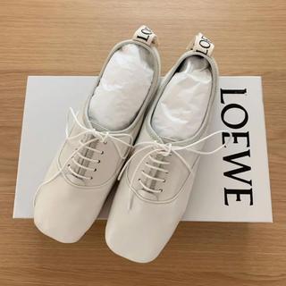 ロエベ(LOEWE)の新品 LOEWE ロエベ ソフトダービー 37 ホワイト フラットシューズ(ローファー/革靴)