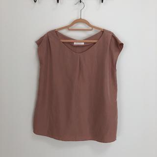 アンドクチュール(And Couture)のAnd couture モスキーピンク トップス サイドスリット(カットソー(半袖/袖なし))