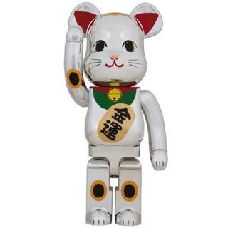 メディコムトイ(MEDICOM TOY)の送込 BE@RBRICK 招き猫 銀メッキ 発光 400%(その他)