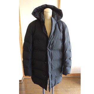 ユニクロ(UNIQLO)のユニクロ シームレス ダウンコート ブラック XL(ダウンコート)