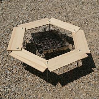 ユニフレーム(UNIFLAME)のBBQ ヘキサテーブル 90×90cm 【組立簡単、軽量、収納コンパクト】(テーブル/チェア)