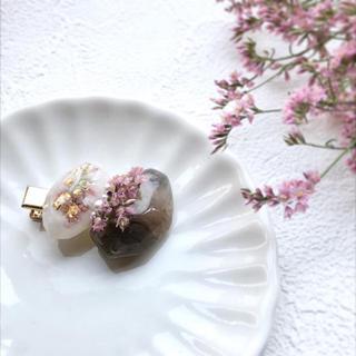 マーブルストーンとお花のヘアクリップ(ヘアアクセサリー)