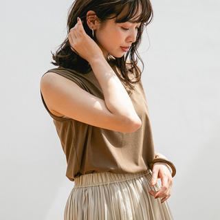 アパートバイローリーズ(apart by lowrys)のノースリーブTシャツ(Tシャツ(半袖/袖なし))
