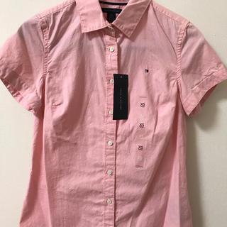 トミーヒルフィガー(TOMMY HILFIGER)のTOMMY HILFIGER  ピンク半袖シャツ《お値下げ》(シャツ/ブラウス(半袖/袖なし))