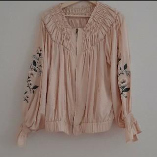 ダブルクローゼット(w closet)のダブルクローゼット 袖刺繍 ギャザー ブルゾン(ブルゾン)