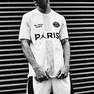 ナイキ(NIKE)の【S】PSG Jordan パリサンジェルマン POLY REPLICA TOP(Tシャツ/カットソー(半袖/袖なし))