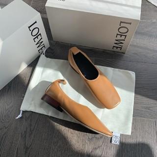 ロエベ(LOEWE)のロエベ バレエシューズ パンプス ローファー(ローファー/革靴)