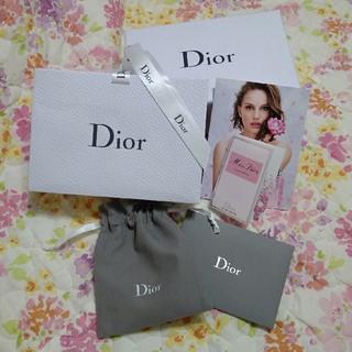 ディオール(Dior)のディオール❤ラッピング用品(香水試供品付)(ラッピング/包装)