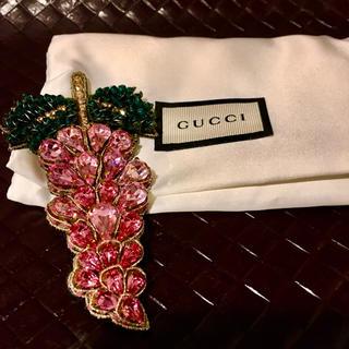 グッチ(Gucci)のGUCCIグレープデザイン ブローチ 未使用(ブローチ/コサージュ)
