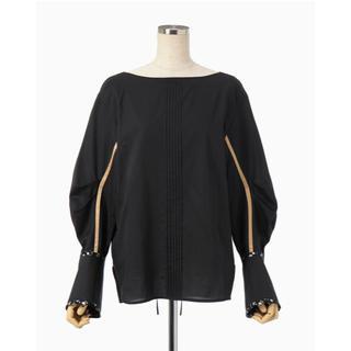マメ(mame)の新品 定価46200円 Boat Neck Pin Tucked Shirt(シャツ/ブラウス(長袖/七分))