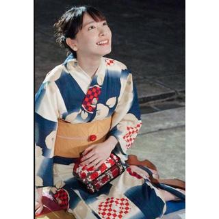 フリフ(ふりふ)の新垣結衣着用 ふりふ 浴衣 イチマツバキ 椿 花柄 総柄 紺 ガッキー(浴衣)