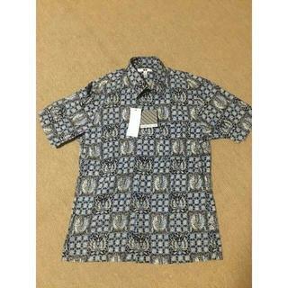 ユニクロ(UNIQLO)の【新品・未使用】ユニクロ プリントシャツ(シャツ)