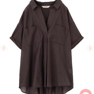 ココディール(COCO DEAL)の専用 ココディール ワッシャーバックプリーツシャツ ブラウン(シャツ/ブラウス(半袖/袖なし))
