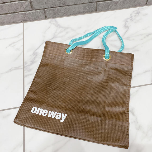 one*way(ワンウェイ)のお値下げ♡ 美品 ワンウェイ 布袋 不織布 ショップ袋 ブラウン ブルー ロゴ レディースのバッグ(ショップ袋)の商品写真