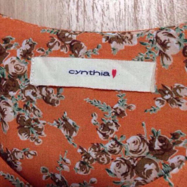 cynthia(シンシア)のcynthiaの花柄ワンピース レディースのワンピース(ひざ丈ワンピース)の商品写真