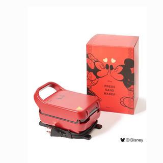 ディズニー(Disney)の【送料無料】ディズニー プレスサンドメーカー キス レッド かわいい(サンドメーカー)