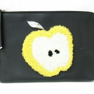 フェンディ(FENDI)のフェンディ ポーチ美品  - 8M0363 リンゴ(ポーチ)