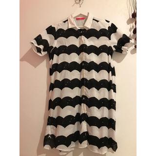 グラニフ(Design Tshirts Store graniph)の☘グラニフ♫シャツワンピース☘北欧風 波(その他)