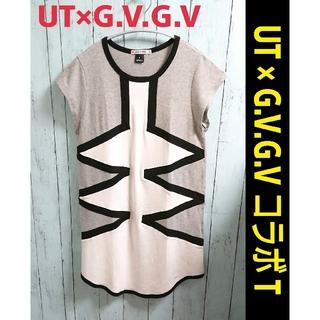 ジーヴィジーヴィ(G.V.G.V.)のUT × G.V.G.V コラボ Tシャツ ワンピース  ロング丈 チュニック(Tシャツ(半袖/袖なし))