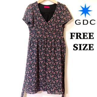 ジーディーシー(GDC)の【フリーサイズ】GDC(ジーディーシー)小花柄ワンピース(ひざ丈ワンピース)