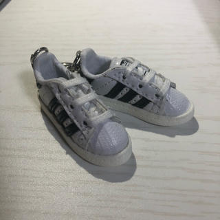 アディダス(adidas)の非売品 adidas スーパースター キーホルダー ノベルティ スニーカー 新品(キーホルダー)