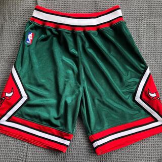 ミッチェルアンドネス(MITCHELL & NESS)のMitchell&Ness Chicago Bulls Short Sサイズ(ショートパンツ)