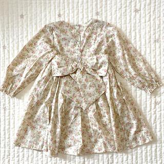 プティマイン(petit main)のアナナ バックリボンぽわん袖ワンピース(ファッション雑貨)
