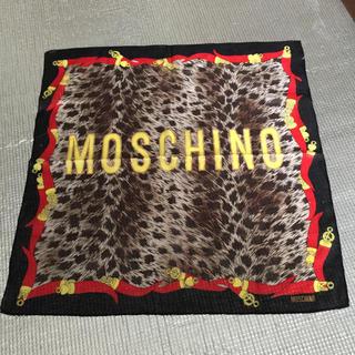 モスキーノ(MOSCHINO)のモスキーノ ハンカチ スカーフ ヒョウ柄 マスク 赤 リボン 小物(ハンカチ)
