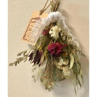 ドライフラワー スワッグ❁¨̮⑮アンティーク風の花束です♪白 赤 真紅 薔薇❁⃘(ドライフラワー)